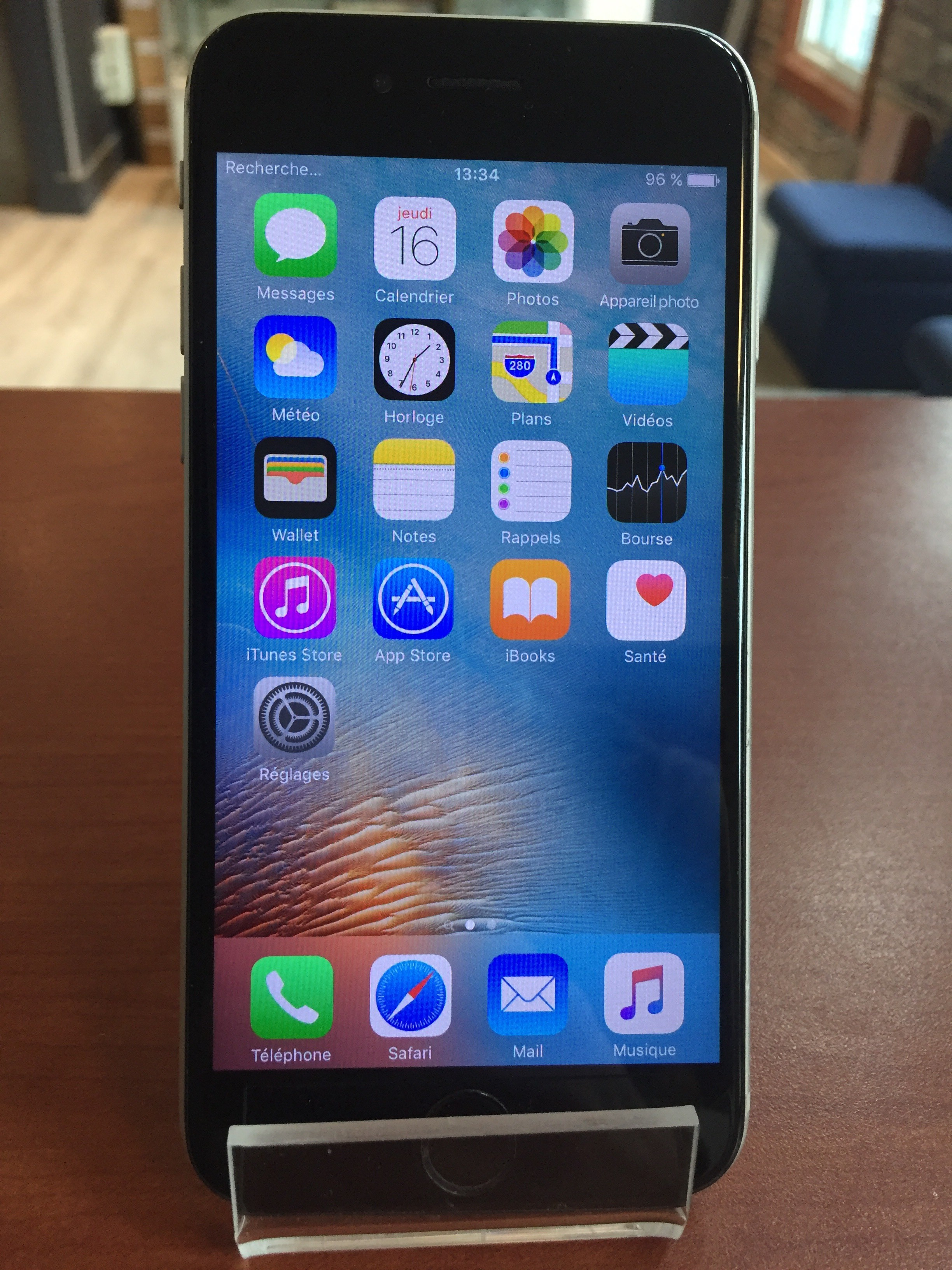 iPhone 6 - Fido - 16 gb