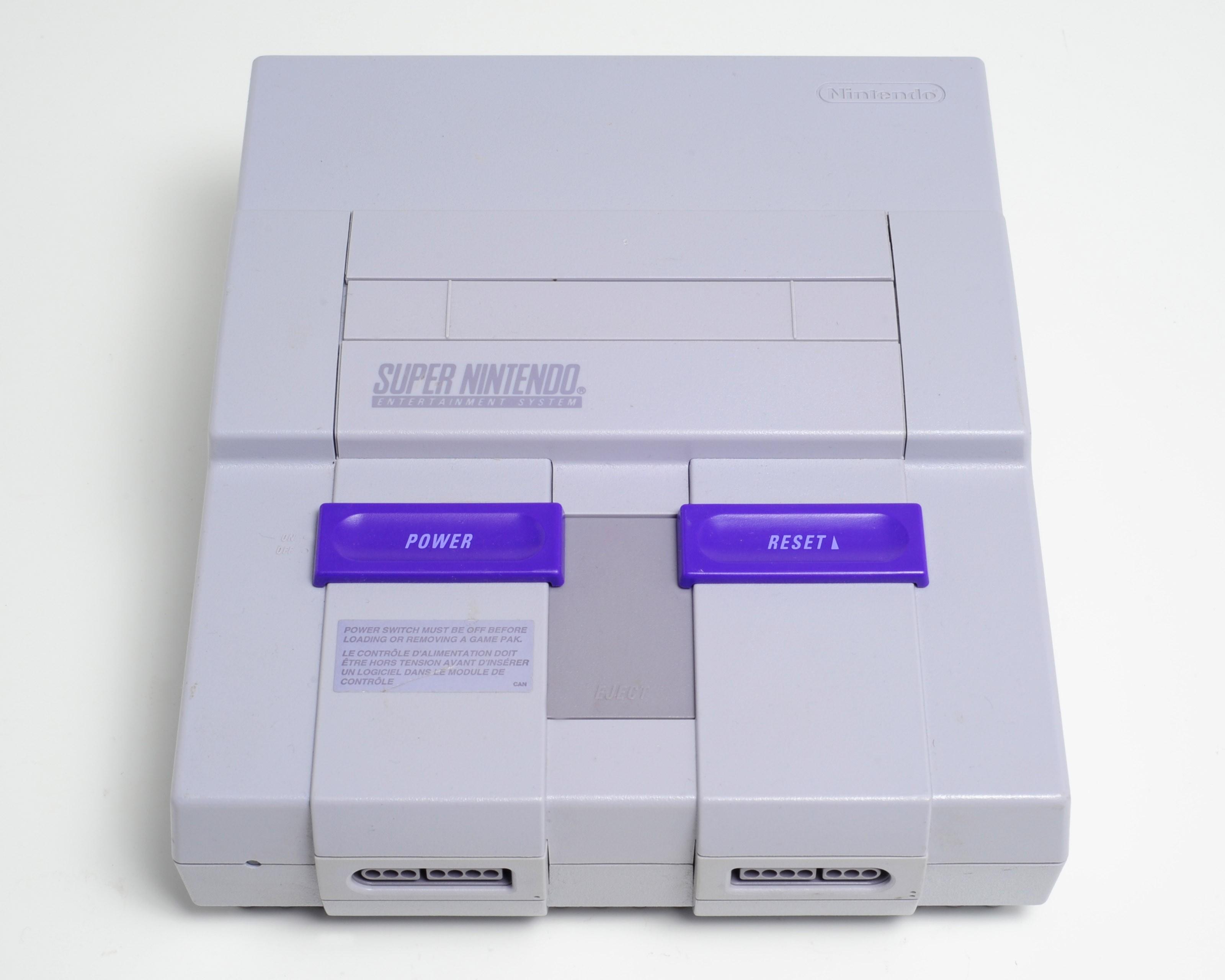 Console Nintendo SNES sans fil ni manette